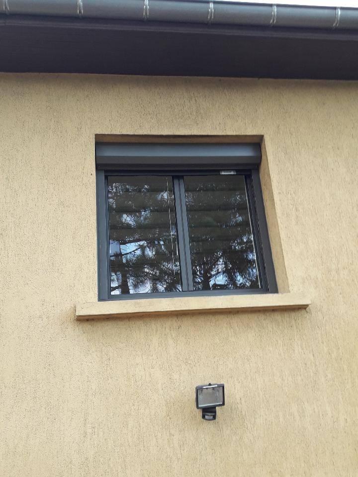 Fenêtre Aluminium Gris Anthracite à Anse Artisan Pour Vente Et
