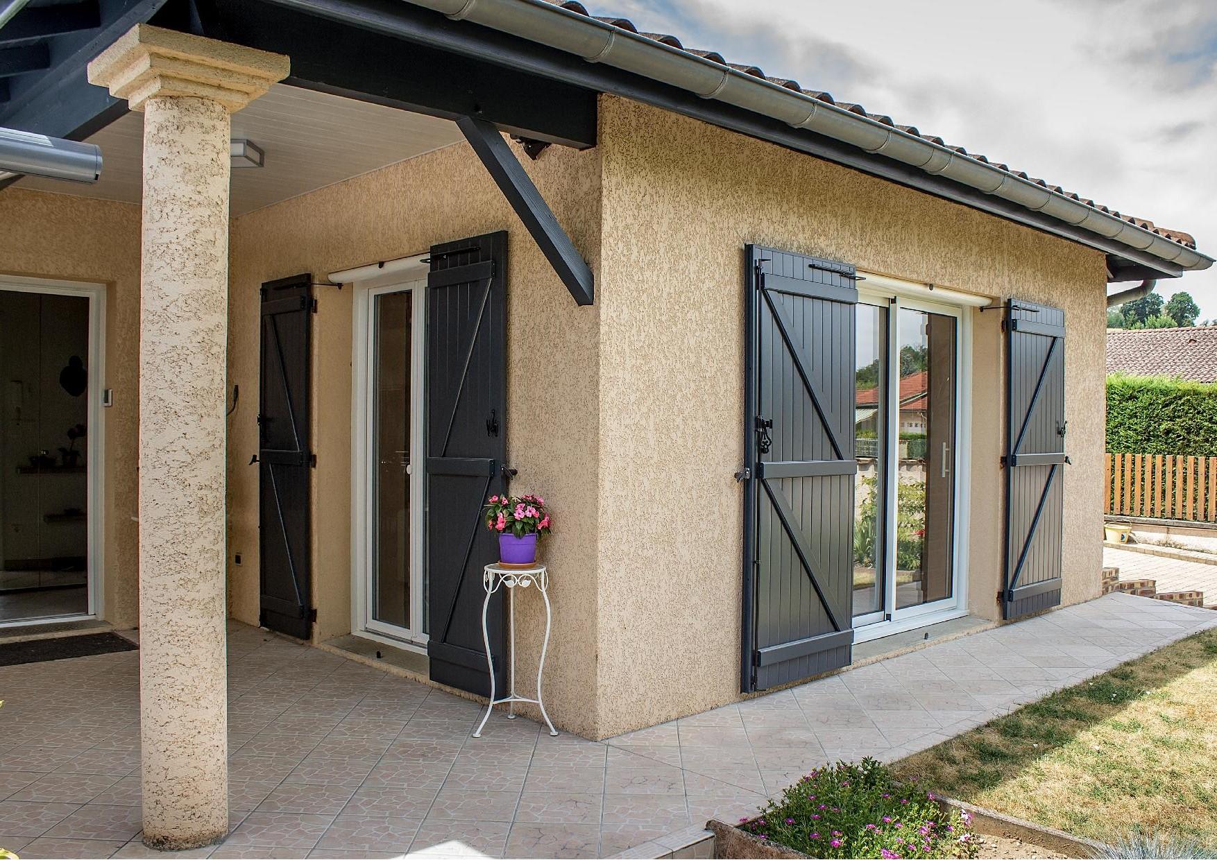 volets battants motoris s frans artisan pour vente et pose de fen tres portes et volets. Black Bedroom Furniture Sets. Home Design Ideas