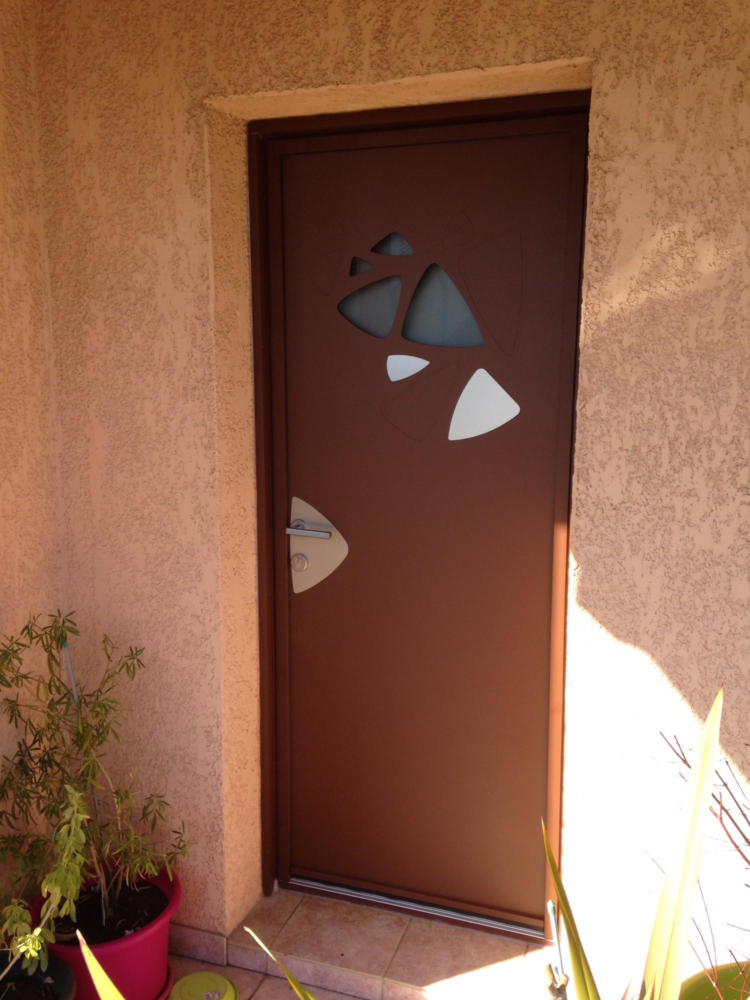 Porte d 39 entr e aluminium p tale de kline artisan pour - Reglage porte d entree 5 points ...
